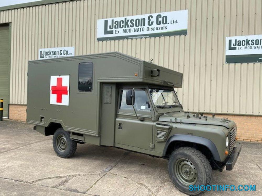 348_Land-Rover-130-wolf-ambulance-012